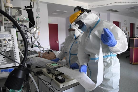 Kórház intenzív osztálya